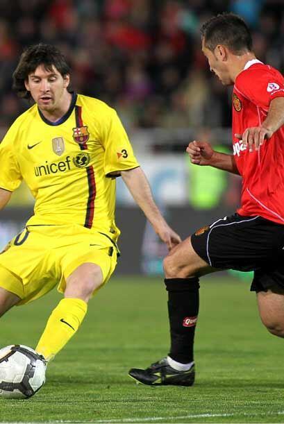 Messi entró en el segundo tiempo, pero no pudo hacer mucho ante u...
