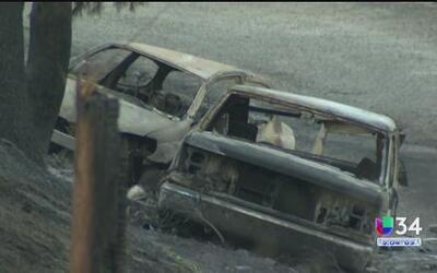 Continúa ardiendo el incendio Sand en las montañas de Santa Clarita