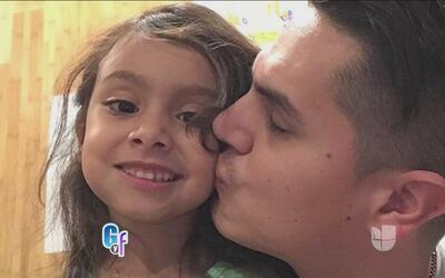 La hija de Régulo Caro le pone más presión que su mujer cuando trabaja f...