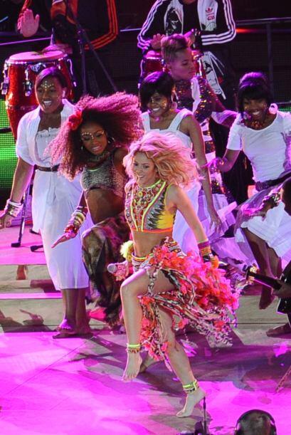"""Shakira sorprendió al mundo con su tema 'Waka Waka"""".Mira aqu..."""