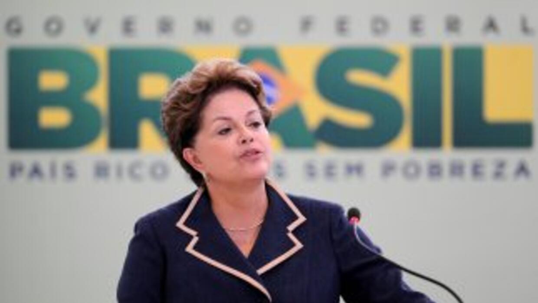 Mientras las encuestas favorecen a Dilma Rousseff, la Bolsa de Valores d...