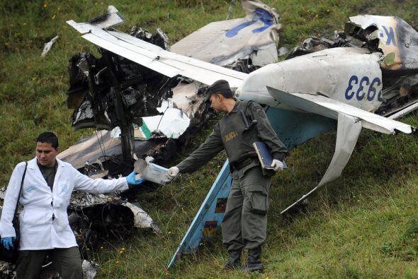 """La avioneta había despegado del aeropuerto local """"Enrique Olaya Herrera""""..."""