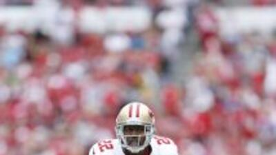 Carlos Rogers es muy importante en la defensiva de los 49ers (AP-NFL).