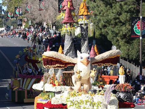 Disfruta de las alegóricas carrosas del tradicional Desfile de la...