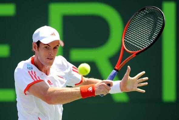 Murray no encontró su ritmo mandando peloteos largos y pelotas pesadas s...