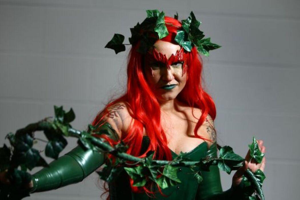 Poison Ivy también te ayudará a lucir muy femenina durante el Halloween.