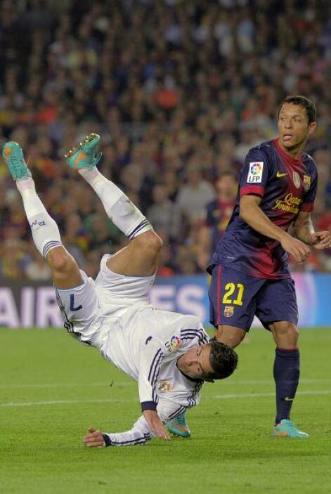 En una jugada accidental, Cristiano sufrió esta aparatosa caída.