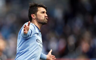 'El Guaje' Villa, un maestro en los goles de larga distancia.