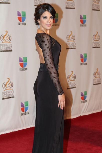 Elegancia y sofisticación describen el look de la colombiana.