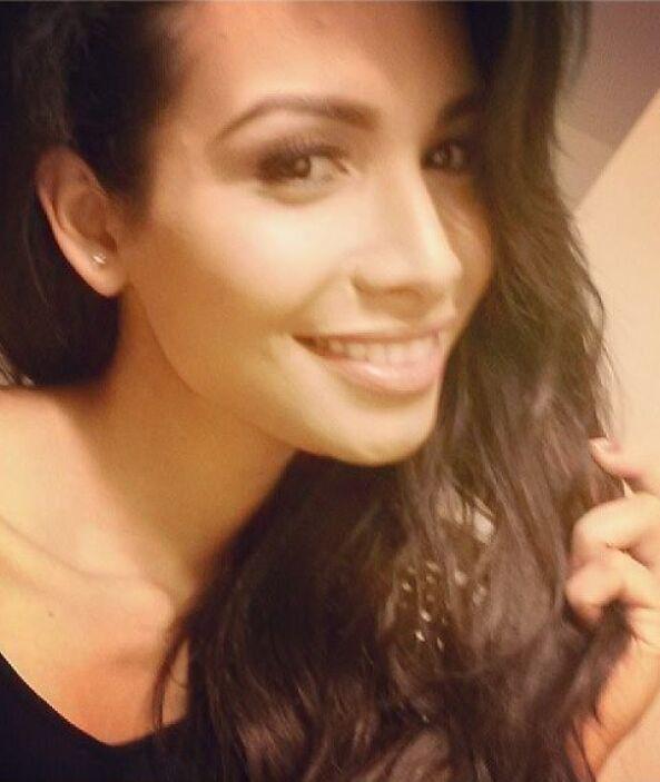 Junto a ellas, Marisela Demontecristo hace gala de su belleza y simpatía...