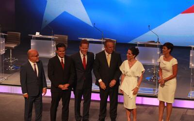Analizamos la moda política entre los candidatos y acompañantes al debat...