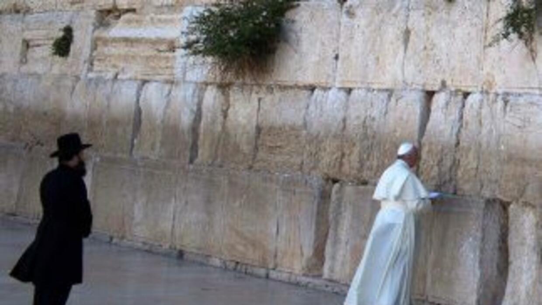 En su visita por Oriente Medio, el Francisco visitó el lugar más sagrado...