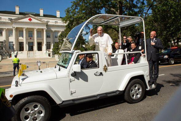 Antes de la llegada del  Papa Francisco a los Estados Unidos una compañí...