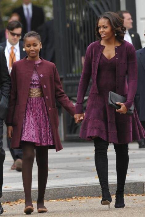 Michelle y su hija Sasha decidieron coordinarse y ponerse un vestido y a...