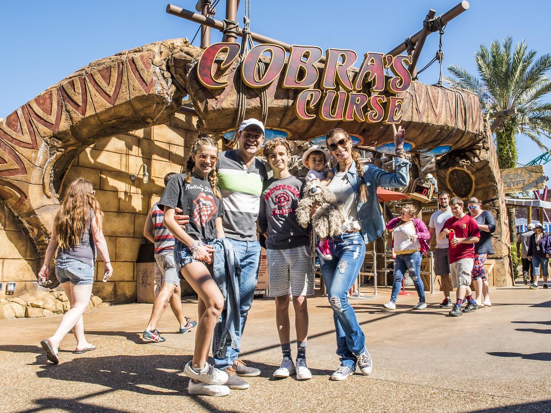 Alan y familia en Busch Gardens Tampa