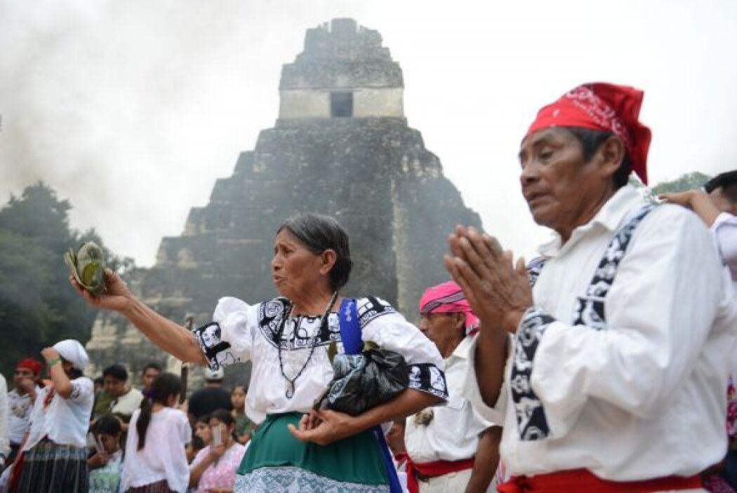 Mientras, gobiernos y empresarios de México y Centroamérica se frotan la...