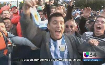 Argentina sufrió pero llegó a cuartos