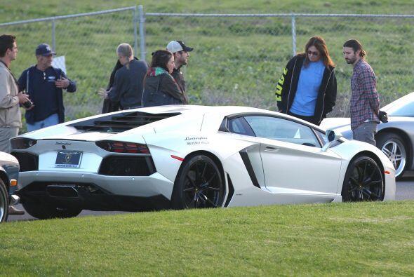 Bruce quedó fascinado con este Lamborghini.