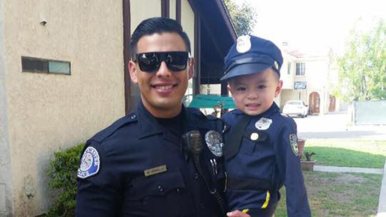 """Policía Miguel """"Mike"""" Gradilla"""