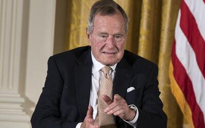 Dan de alta al expresidente George H.W. Bush