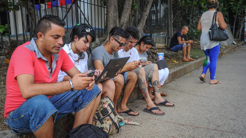 Cuba duplicó el número de internautas en 2015 cuba%20Internet.jpg