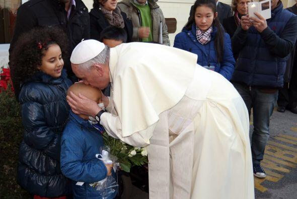 El papa agradeció a los niños por sus deseos.