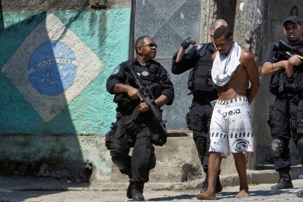 """En Brasil, cuando el capo Luciano Martiniano da Silva """"Pezao"""" fue captur..."""