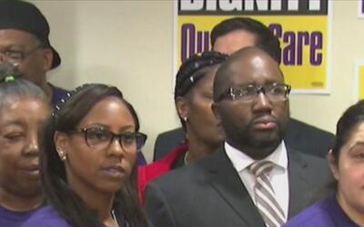Trabajadores de 57 asilos del área de Chicago anuncian huelga para deman...
