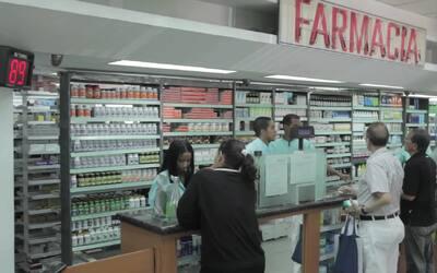 Seis horas dentro de una farmacia en Venezuela