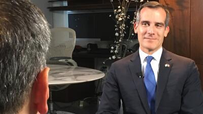 Entrevista al alcalde de Los Ángeles, Eric Garcetti, en Univision 34