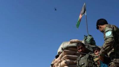 Soldado afgano en el aeropuerto de Jalalabad