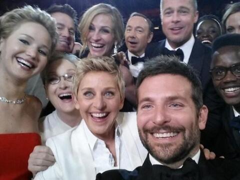 Esta selfie tomada por Ellen Degeneres en la entrega del Oscar, sin duda...