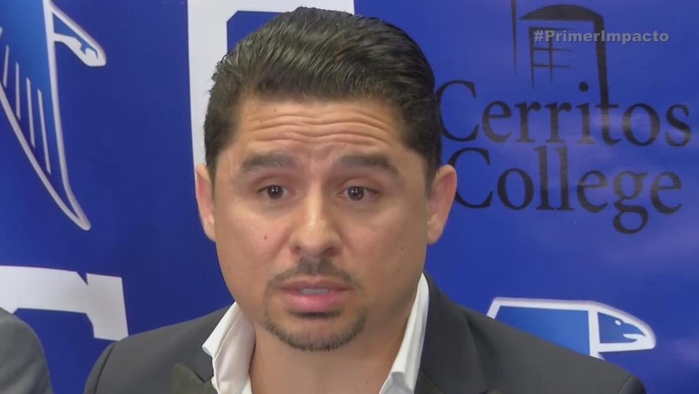Larry Hernández apoya a la educación por medio de un fondo de becas