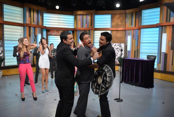 Alan, Johnny y Jaime, ¿qué tal si mejor hacemos un trío?.