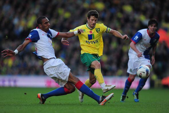 Norwich city venció, sin problemas, al Blackburn Rovers por 3 a 1.