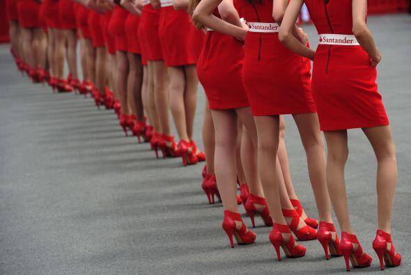 Como en cada carrera, la presencia femenina no puede faltar.