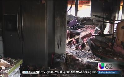 Un voraz incendio en Austin deja un herido y 13 personas sin hogar