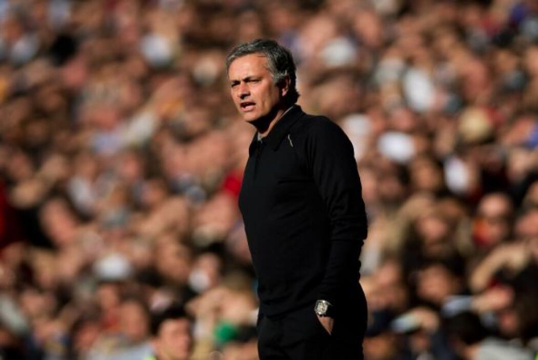 Todos estos talentos son dirigidos por José Mourinho, quien logró que su...
