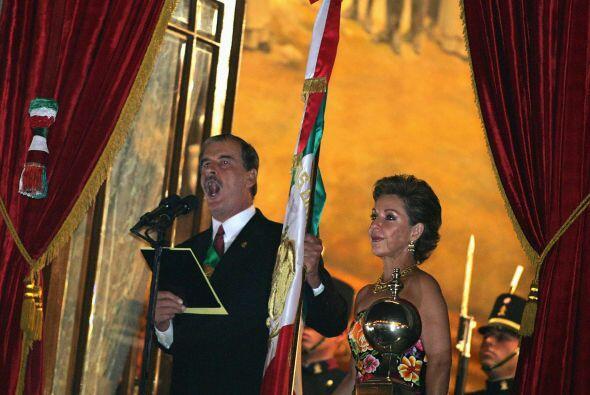Antes de Felipe Calderón, Vicente Fox Quezada también dio el tradicional...
