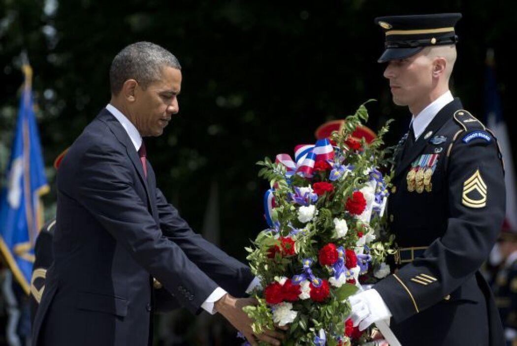 Barack Obama colocó una ofrenda floral en la Tumba del Soldado Desconocido.