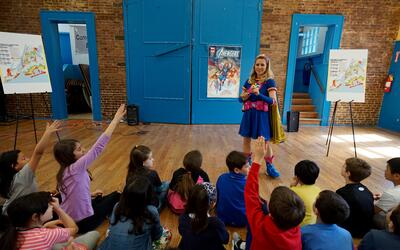Ready Girl convirtió en superhéroes a unos 30 niños de Brooklyn