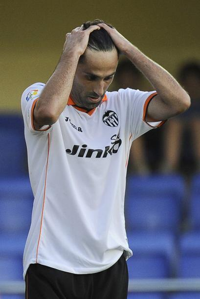 Valencia estaba más que desconsolado, pues no tenía pensad...