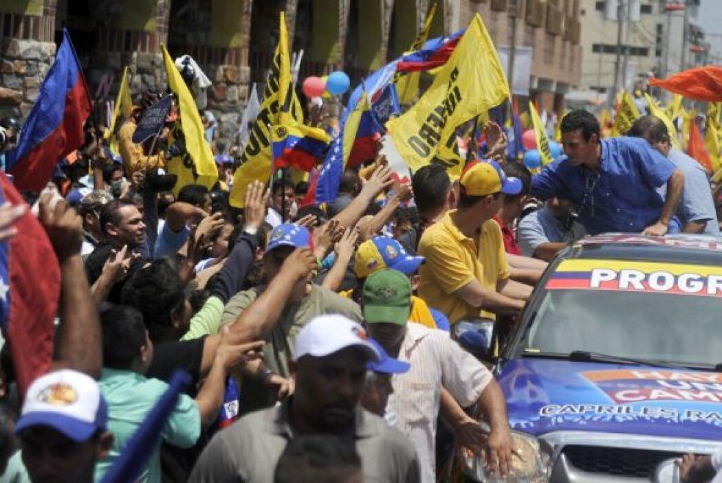 El candidato de la oposición venezolana a la Presidencia, Henrique Capri...