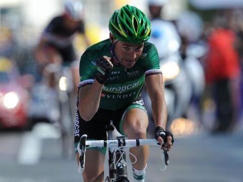 El francés Thomas Voeckler encabezó una fuga de cinco cicl...