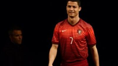 Cristiano Ronaldo encabeza lista de convocados de Portugal.