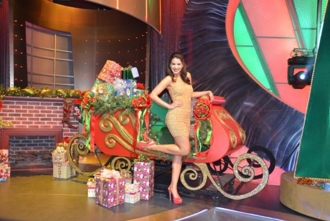 Y otra foto. Sin duda Vanessa llegó decidida a acaparar la Navidad. ¡Bie...