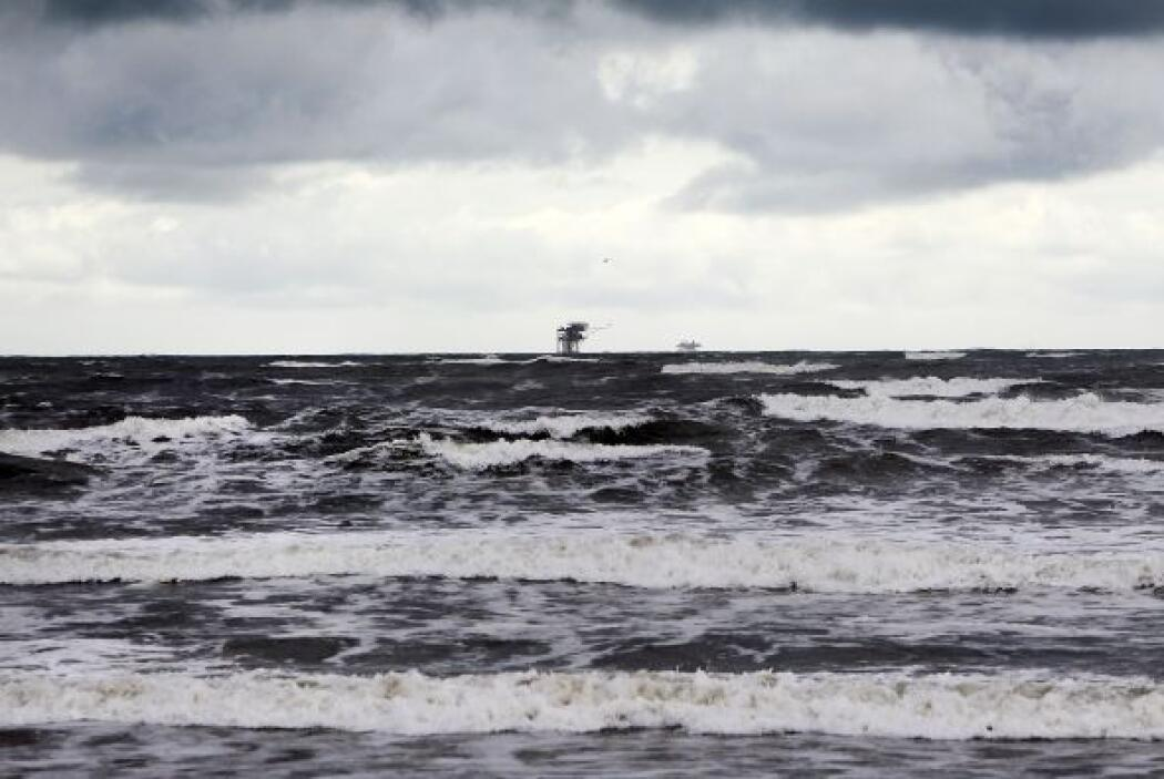 La tormenta tropical Karen seguía el sábado su camino en el Golfo de Méx...