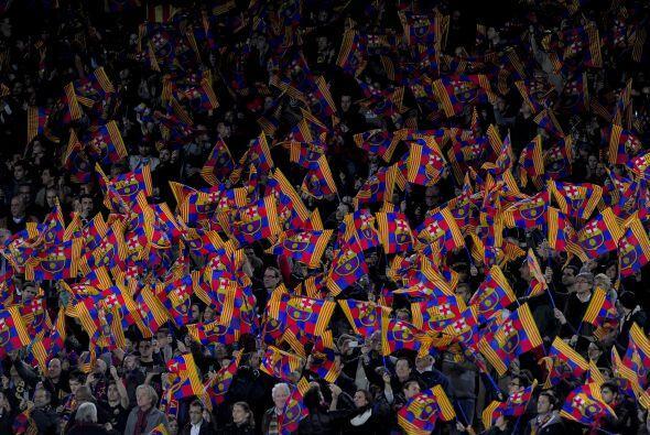 La Liga española, específicamente en el estadio Camp Nou, disfrutó el ch...