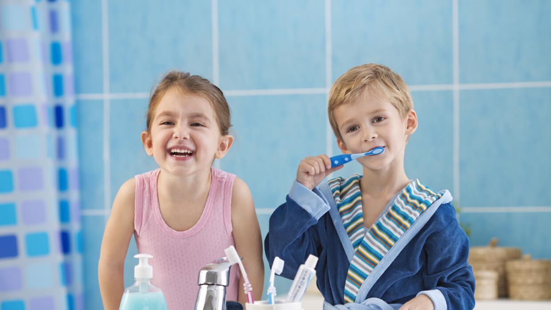 Aprende a cuidar la salud bucal de tus hijos con estas claves.