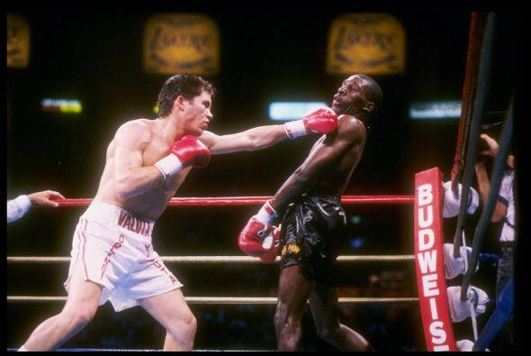Chávez se coronó campeón superligero CMB al vencer a Roger Mayweather el...